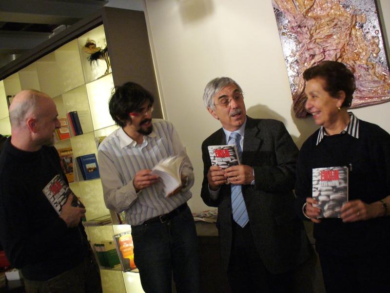 2010-11-25-emilia-al-cafe-libre2